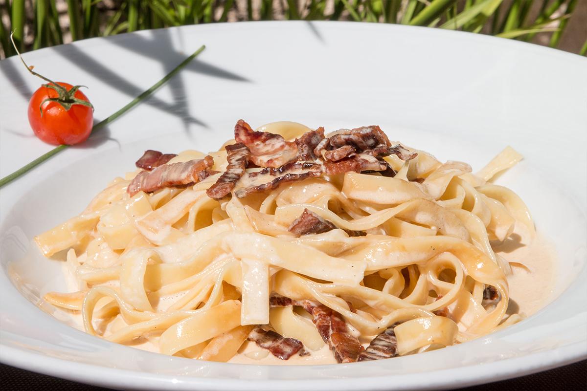 Italian food in La Casa della Pasta restaurant