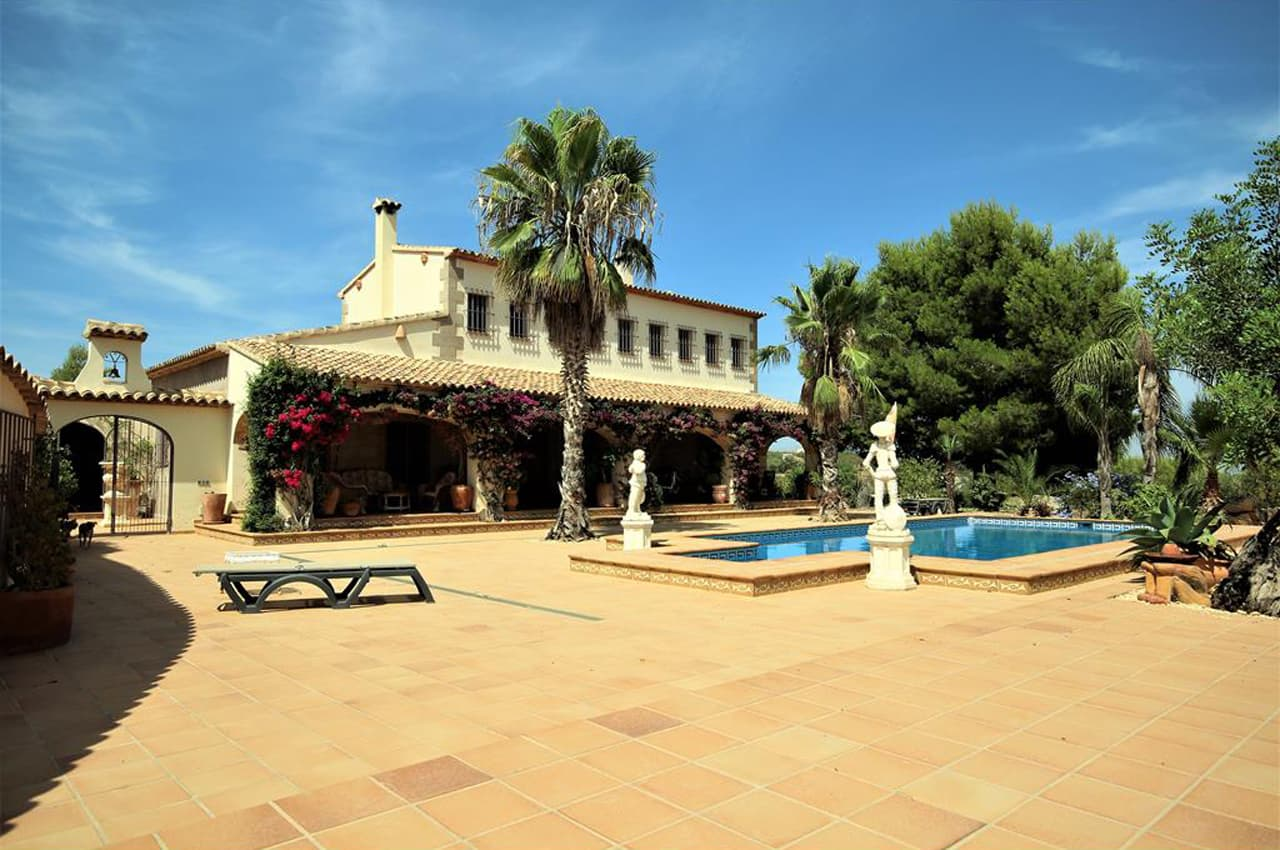 Where to buy a country house on the Costa Blanca