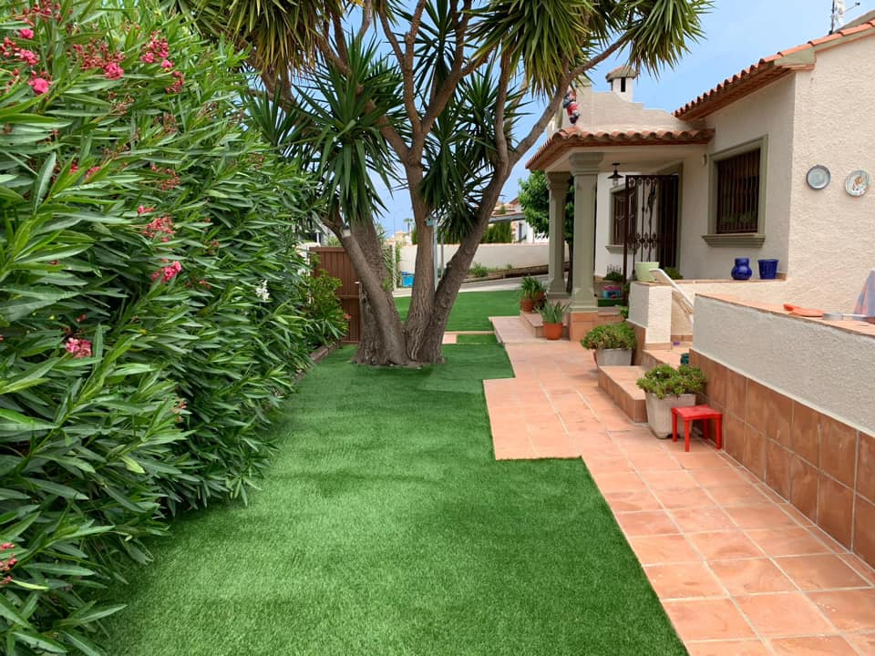 The best companies to put artificial turf