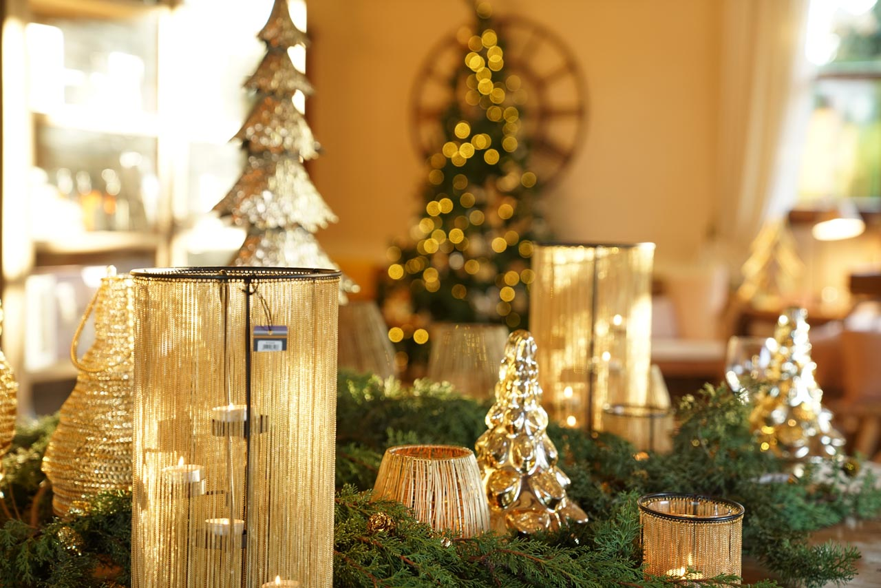Where to buy elegant Christmas decoration